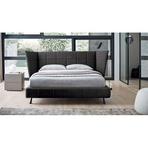 Кровать с мягким изголовьем Модель №3