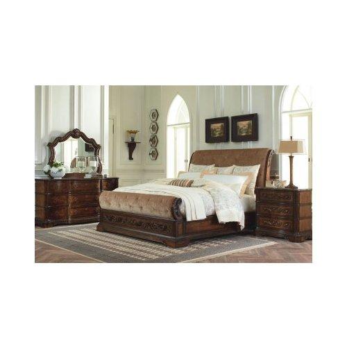 Деревянная кровать King Pemberleigh 3100-4306K