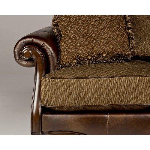 Диван трехместный Claremore-Antique 84303-38