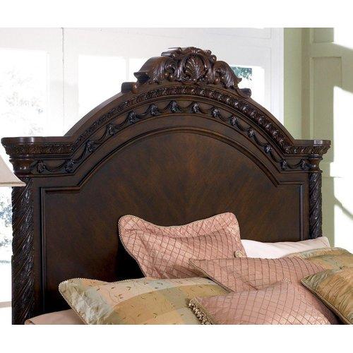 Деревянная кровать Queen North Shore B553-157-254-196