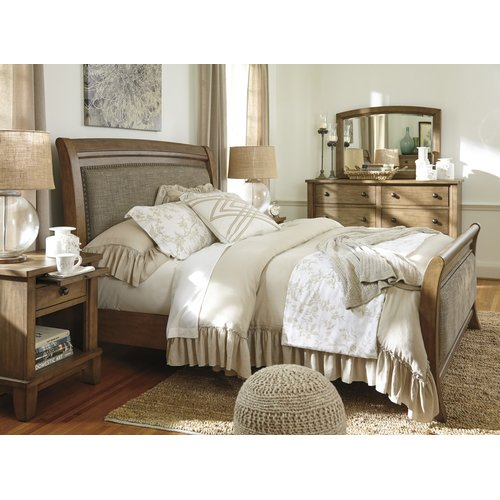 Деревянная кровать Ashley Tamburg Queen B655-54-57-96