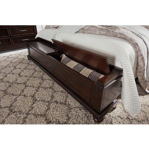 Двуспальная кровать B788-56-158-97 Brynhurst