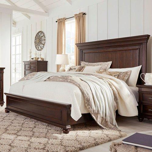 Двуспальная кровать B788-54-57-96 Brynhurst